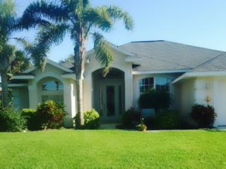 Elegant Beachside Home, three lovely bedrooms and two full bathrooms, Ormond Beach