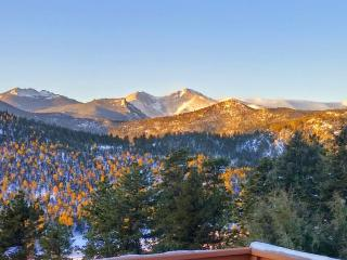 Longs Peak Vista Cabin, a cozy cabin w/ stunning views on secluded 2.5 acres.