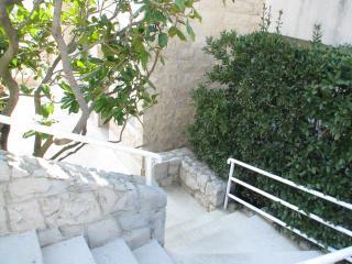 Apartment Ivanac close to center of Makarska