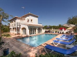 Spacious luxury villa in tranquil local, Jávea