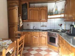Ampia casa indipendente Sanremo vista mare