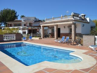 Villa Lara . Private pool, A/C, free WIFI, Nerja