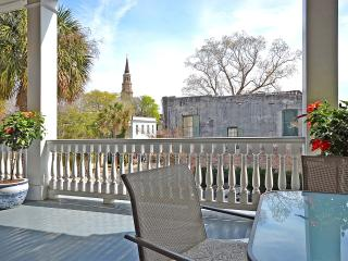 1-5BR Historic Downtown Charleston Vacay Rental