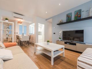Nuevo apartamento de lujo Puerta del Sol, 3 habitaciones, 3 baños. 5*