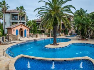 VILLA PARADISO: Custom Tuscan Home, Tropical Resort-Lagoon Pool, Beach Service, Miramar Beach