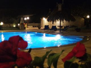 Charming rural retreat in trulli with private pool