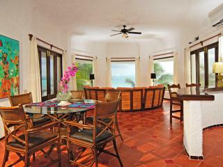 Ocean Front Master Suite with Roof Deck, Playa Maroma