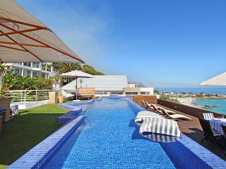 White Cliffs Penthouse, Clifton