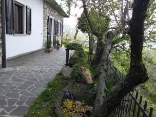 """Casa vacanza """" Il Pozzo"""", Marone"""