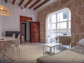 Huge apartment with terrace in old town, Palma de Mallorca