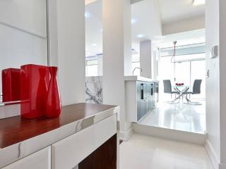 Luxury PH LOFT Home Away From Home, Mississauga