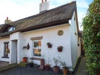WILLOW COTTAGE thatched semi-detached cottage, character features, village