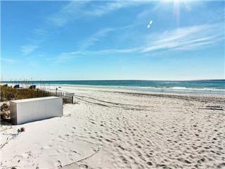 Gulf Terrace 260-2BR-FREEFunPass5/1*Buy3Get1FreeThru5/26*AVAIL4/23-5/1*Walk2Beach, Destin
