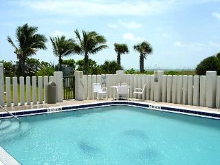 ** Oceanfront, 25 Steps to Beach, Gorgeous! **, Cap Canaveral