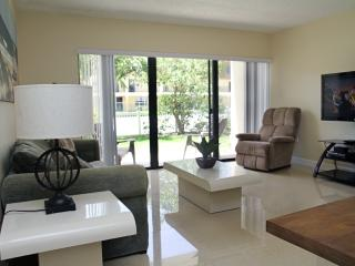 Bright & Spacious Ground Floor Corner Unit at Pier, Cocoa Beach