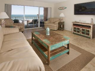 Direct Oceanfront - Fully Renovated - VIEWS, Satellite Beach