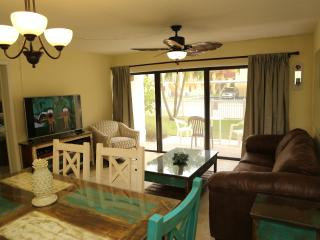 Right on the Ocean - Ground Floor - Next to Pier, Cocoa Beach