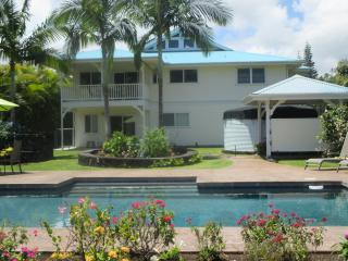 Custom Home w\POOL 1000 feet from the ocean!, Keaau