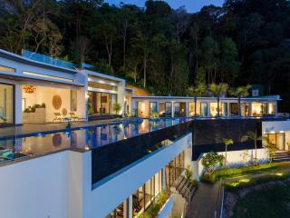 Villa Zavier Surin Beach Ultra Luxury w Sea View, Choeng Thale