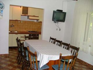 Four bedroom apartment Boris, Vinisce
