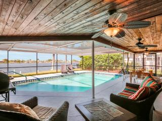 Villa Coral Palms Lakefront w/boatdock -  SPECIAL PROMOTION!!, Cape Coral