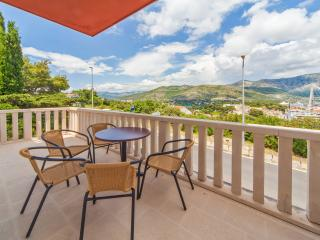 Apartments Lapad - Comfort Three Bedroom Apartment with Balcony and Sea View (A5), Dubrovnik
