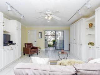 Summer Place 652, Ground Floor Studio, Steps to Beach, Pool, Sleeps 4, Ponte Vedra Beach