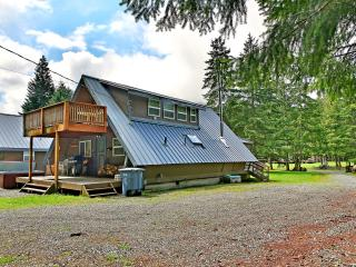 Getaway Chalet & Bunkhouse, Greenwater