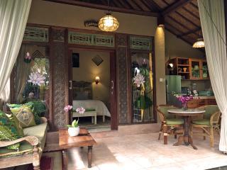 Devi's Place Ubud - peace & quiet at Lotus Cottage