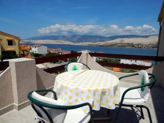 TH01304 Apartments Valentić / One Bedroom A1, Pag