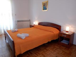 TH01304 Apartments Valentić / Two Bedrooms A2, Pag