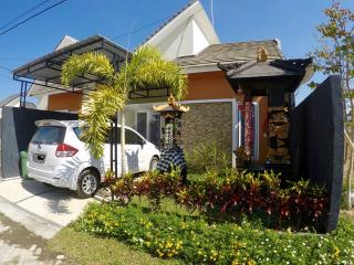 House Aira quiet location for perfect Holiday, Batu Layar