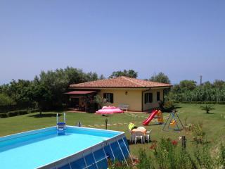 Villa Mimosa in typical mediterranean vegetation, quiet area.