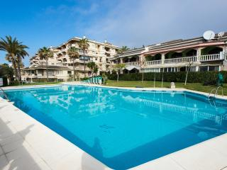 Large beachfront apartment, Mijas