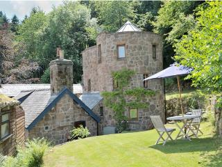 893 The Dovecot, Penallt
