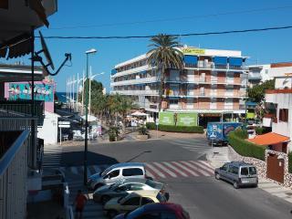 Apartamento  con vistas al mar desde la terraza,, Oliva