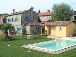 Villa Lavanda - Istrian stone house with a pool, Fijeroga
