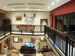LARGE LOVELY HOLIDAY HOME, Ballito