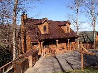Cherokee  Near Ober View Privacy King Beds WiFi Fireplace  Free Nights, Gatlinburg