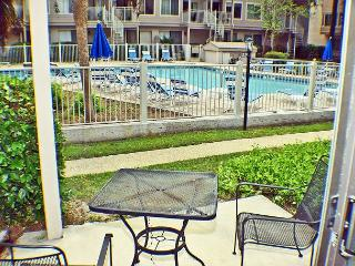 Courtside 55 - Forest Beach 1st Floor Flat, Hilton Head
