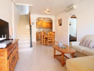 BEAUTIFUL 3 BED HOUSE, POOL, FREE WIFI, Almoradi