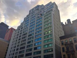 LUXURY DOORMAN STUDIOS ON EAST 44th, Nueva York