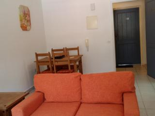 LIMNARIA Gardens Super 5 Star  vi Spring apartment, Pafos