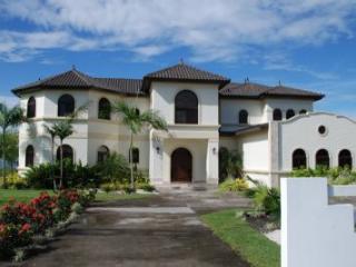 Las Olas Villa 4, David