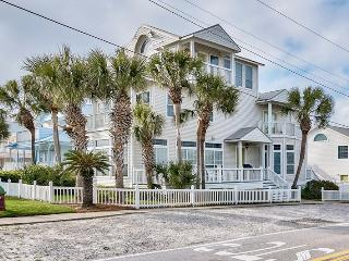 Waters Edge - OCT is Open! Just reduced!, Destin