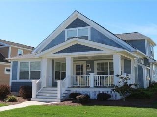Gorgeous Lakeside 4 BR Villa in Bay Point Resort