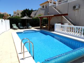 2 Bedroom Hot/Cold Air Con with Private Pool PV200, La Marina