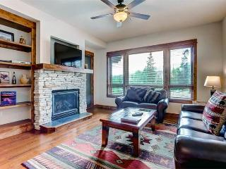 Comfortably Furnished yes 2 Bedroom Condo - B305, Breckenridge