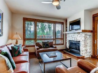 Comfortably Furnished yes 2 Bedroom Condo - B405, Breckenridge