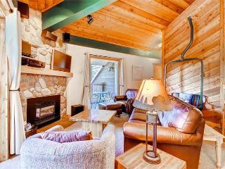 Comfortably Furnished Breckenridge 2 Bedroom Walk to lift - DEB32